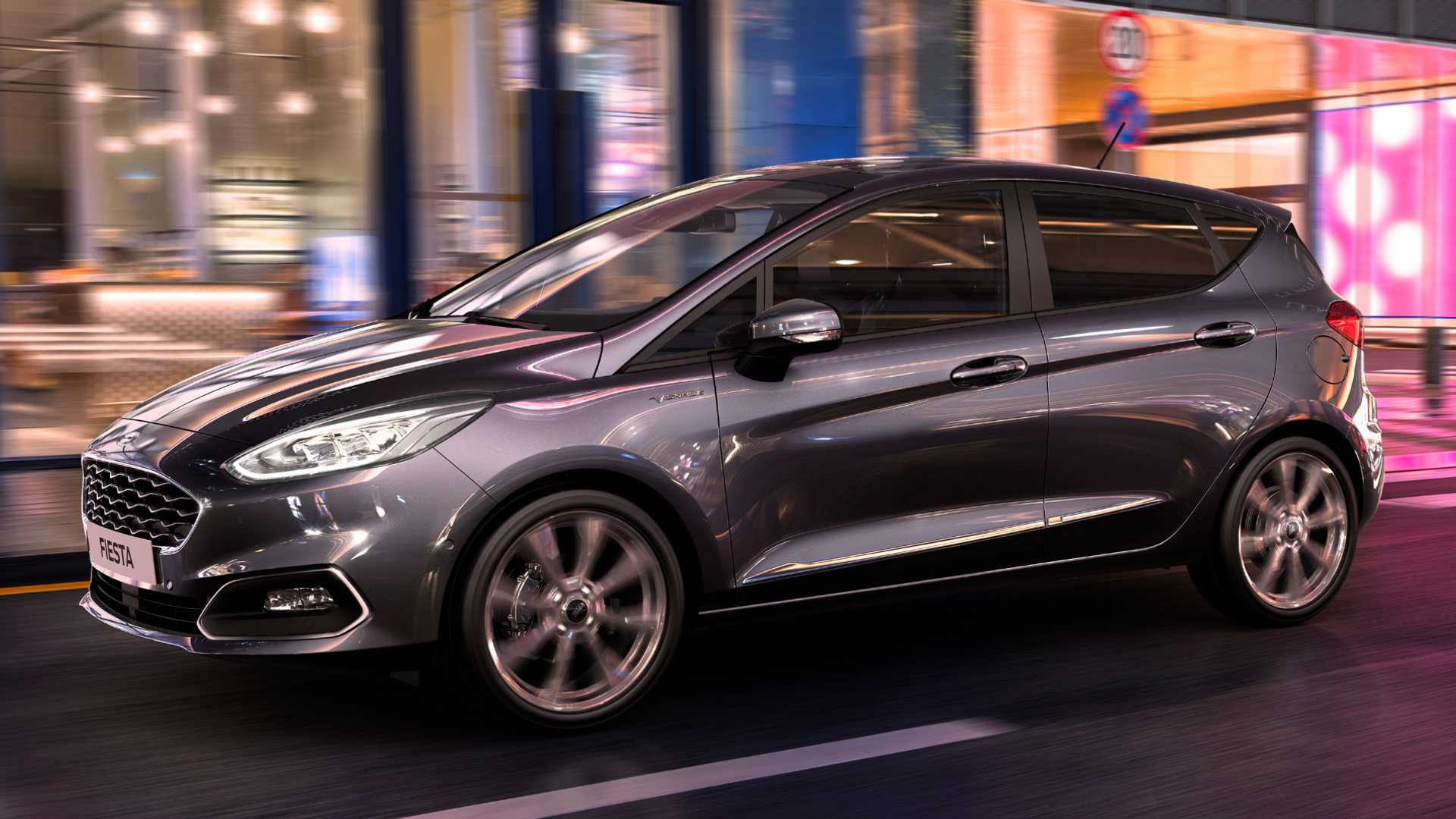 2020 Ford Fiesta Vignale drives using new driving assistance technology in the city