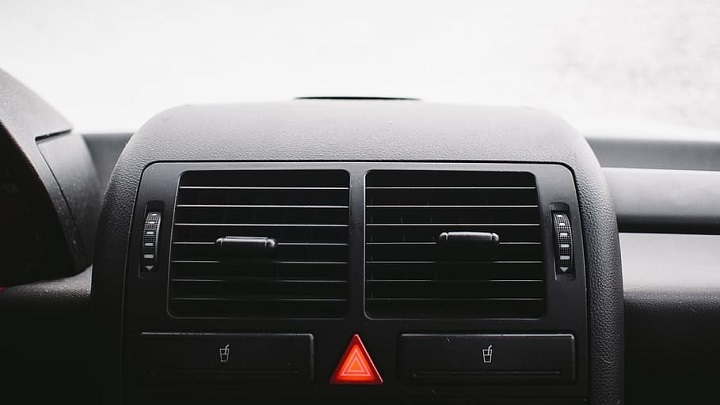 Air conditioning vents in car