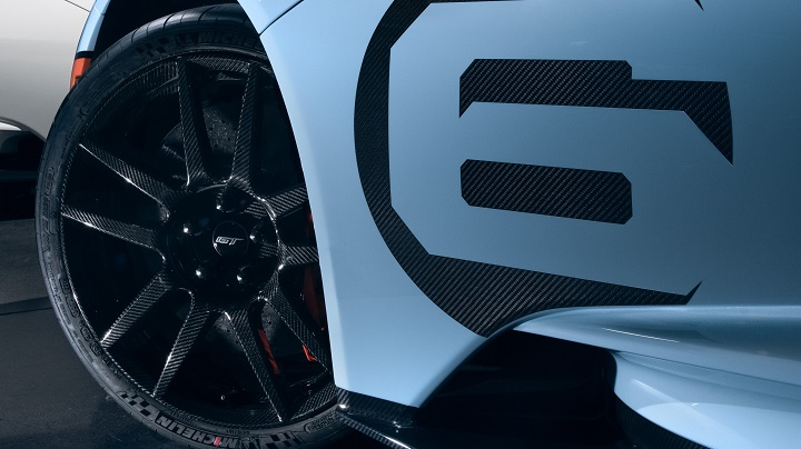 2020 ford gt heritage edition close-up carbon fibre wheel
