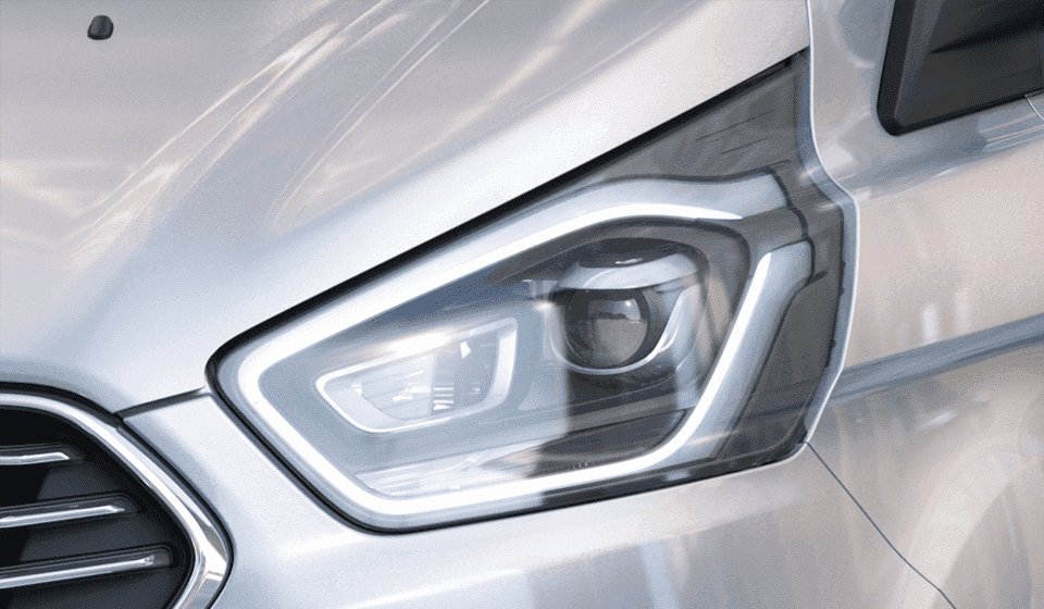Ford Tourneo close-up of the new signature HID headlamps