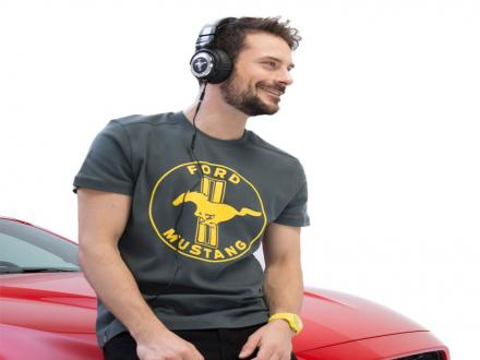 https://images.sandicliffe.co.uk/sandicliffe-shop/thumbs/Ford-Lifestyle---Ford-Mustang-T-Shirt--Grey---Yellow-XL-35021277-1.jpg
