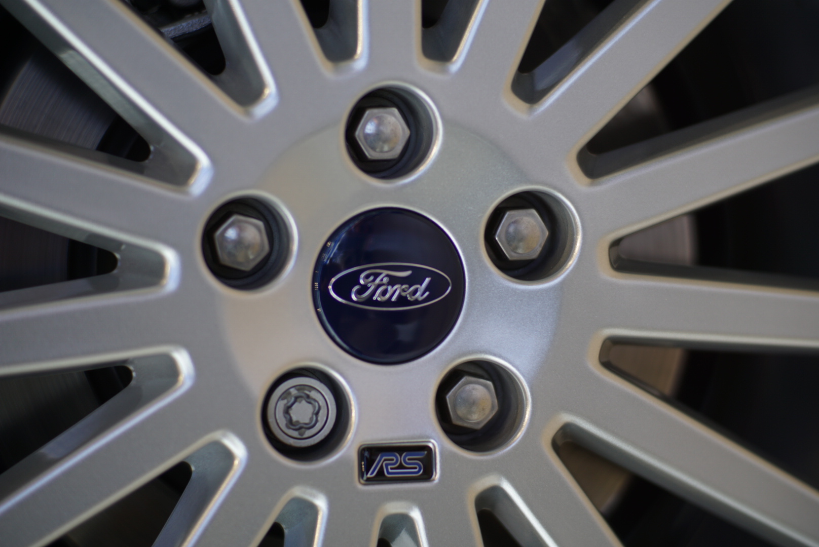 wheel of the Ford Focus RS