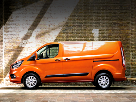 https://images.sandicliffe.co.uk/vehicles/van/new/ford/transit-custom/lifestyle.jpg